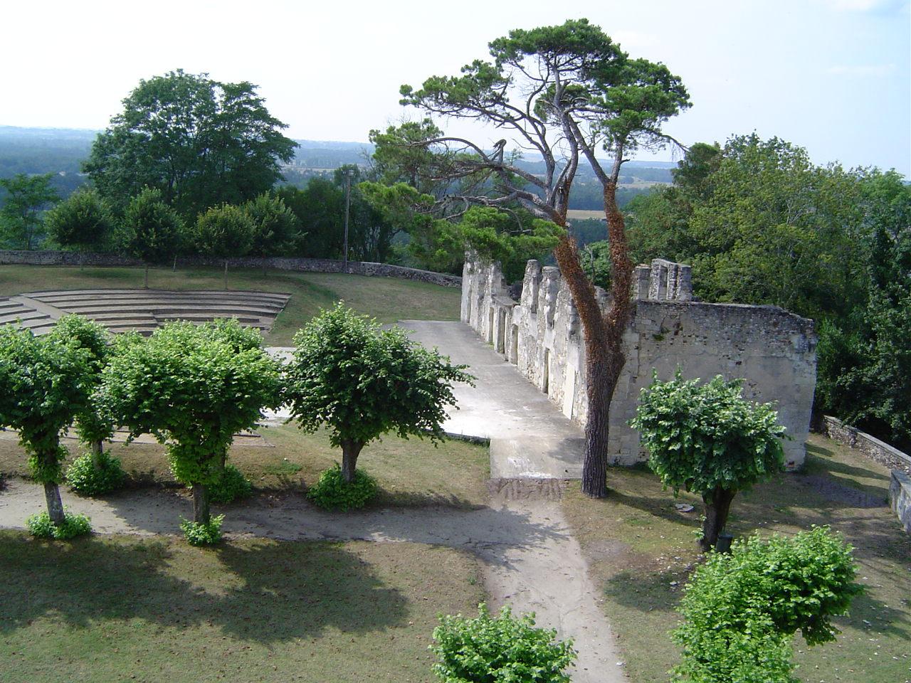 esplanade-du-chateau